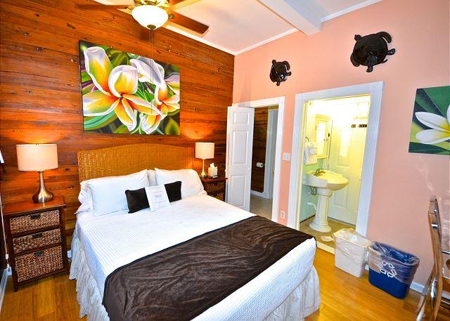 """""""CORAL COVE"""" Affordable Old Town Efficiency - Patio and BBQ Grill - Image 1 - Key West - rentals"""