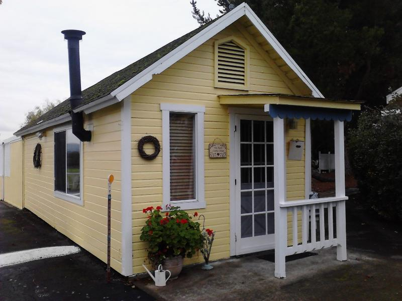 The French Country Cottage - Windrose Romantic Cottages  Wine Country  hot tubs - Windsor - rentals