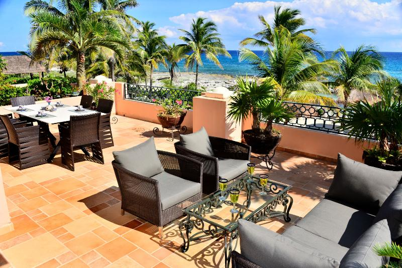 Large  private terrace with open and covered spaces - Fabulous View - Amazing Terrace - Great Beach - Puerto Aventuras - rentals