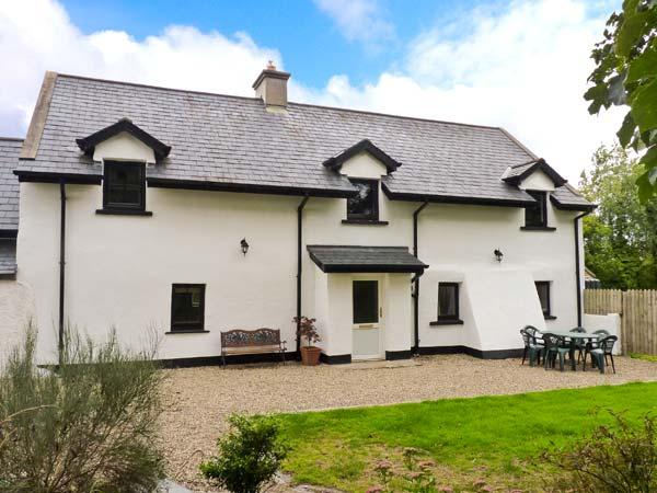 HOME FARM COTTAGE, pet friendly, character holiday cottage, with a garden in Campile, County Wexford, Ref 3862 - Image 1 - Campile - rentals