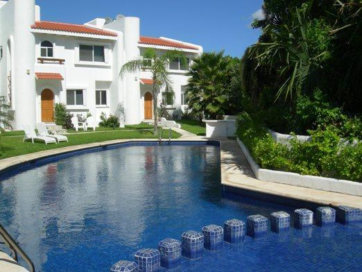 Casa Selva Caribe - large pool by the front and secluded terrace at the rear - Casa Selva Caribe Luxury Playamar Villa Views WiFi - Playa del Carmen - rentals