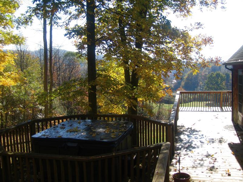 Breathtaking Mountain Views - Sleepy Hollow Chalet - Image 1 - Oak Hill - rentals