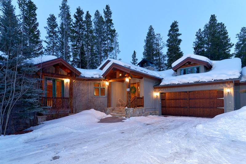 Exterior of Beavers Lodge walk to 4 O'clock ski run - 1498-52170 - Breckenridge - rentals