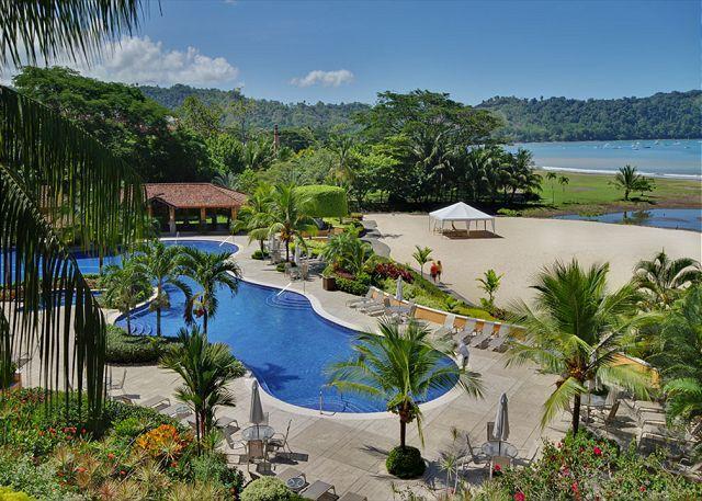 The beach club at Los Sueños Resort. - Spectacular Ocean View Condo at Los Sueños! Pay 3 stay 4 nights! - Herradura - rentals