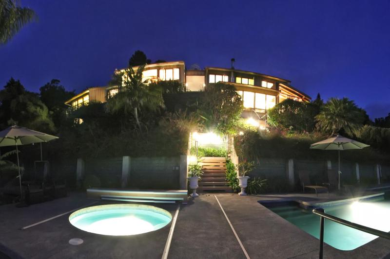 Grand Villa after Dusk - 'Discover Aroma' at The Grand Villa - Makawao - rentals