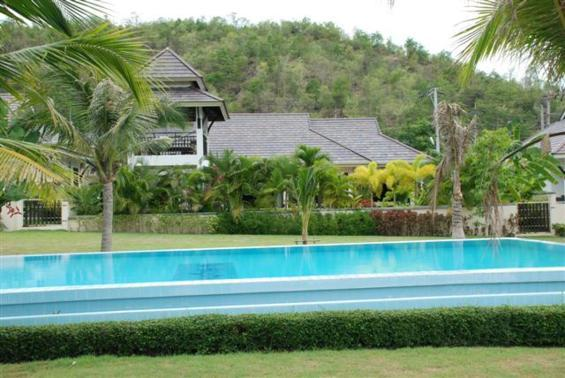 Villas for rent in Hua Hin: V5220 - Image 1 - Hua Hin - rentals