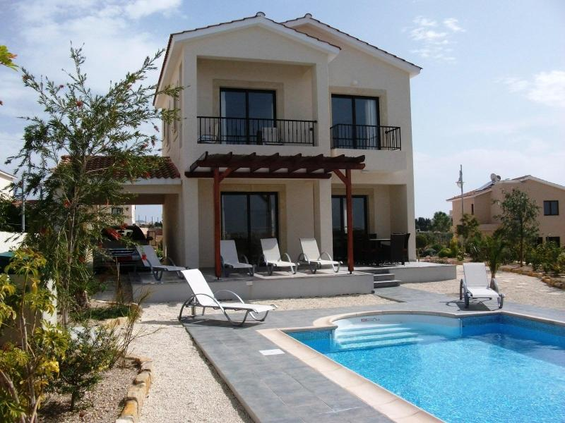 Pool and sun deck Villa Narcissus - Private Heated Pool - Perfect for Autumn & Winter - Paphos - rentals