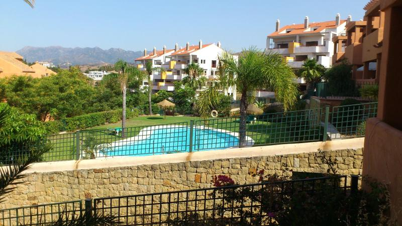 Beautiful apartment, for a relaxed holiday - Image 1 - Elviria - rentals