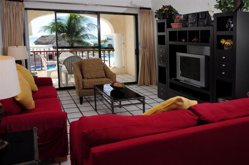 True Caribbean ocean views from the living area, dining area, & kitchen! - 3 BR W/Beautiful Ocean Views! (Xh-7122) - Playa del Carmen - rentals