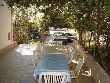 A2(8+2): garden terrace - 01107SEGV A2(8+2) - Seget Vranjica - Seget Vranjica - rentals