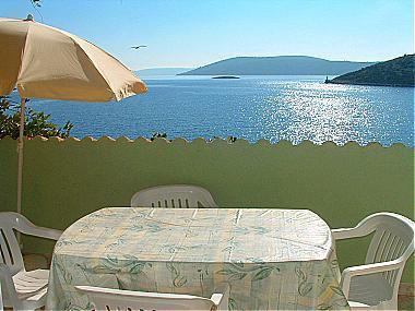 A2(2+2): covered terrace - 00907VINI A2(2+2) - Vinisce - Vinisce - rentals