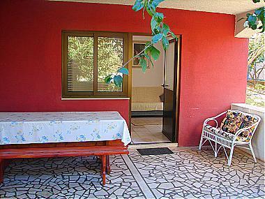 A3(2+2): garden terrace - 00217LOVI A3(2+2) - Loviste - Loviste - rentals