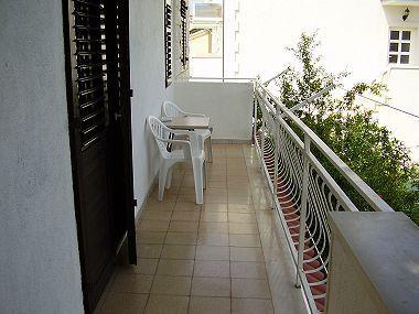 A2(6+1): covered terrace - 02001MIRC A2(6+1) - Mirca - Mirca - rentals