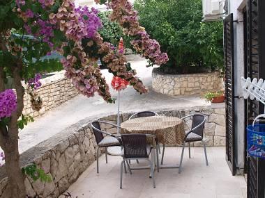 A3(2+2): terrace - 001SUTI  A3(2+2) - Sutivan - Sutivan - rentals