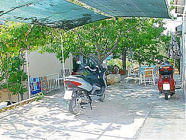 parking (house and surroundings) - 01612OKRG A1(4+1) - Okrug Gornji - Okrug Gornji - rentals