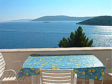 A1(2+2): covered terrace - 01207VINI A1(2+2) - Vinisce - Vinisce - rentals