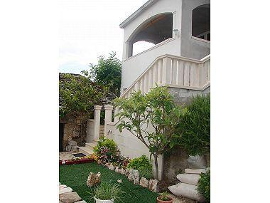 garden (house and surroundings) - 005POST  A1(4+1) - Postira - Postira - rentals