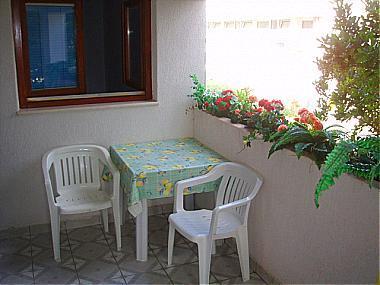 Mali 3(4+1): terrace - 00405SFIJ  Mali 3(4+1) - Sveti Filip i Jakov - Sveti Filip i Jakov - rentals
