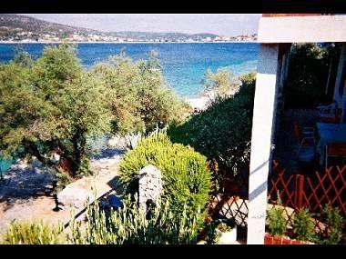 view (house and surroundings) - 2398 A1(4+1) - Cove Ostricka luka (Rogoznica) - Cove Kanica (Rogoznica) - rentals