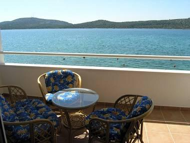 A10(4+2): terrace - 2442 A10(4+2) - Pirovac - Pirovac - rentals