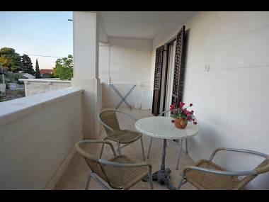A1(4+1): covered terrace - 04901SUPE  A1(4+1) - Supetar - Supetar - rentals