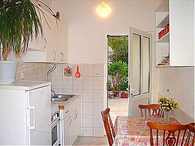 A1(4): kitchen and dining room - 00213BVOD  A1(4) - Baska Voda - Baska Voda - rentals