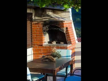 A4(4): grill - 2275 A4(4) - Komiza - Komiza - rentals