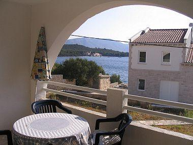 A2(2+1): covered terrace - 03714KORC A2(2+1) - Korcula - Korcula - rentals