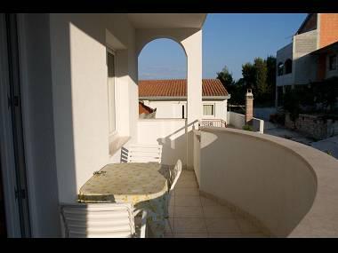 B2(2+1): terrace - 2189  B2(2+1) - Arbanija - Arbanija - rentals