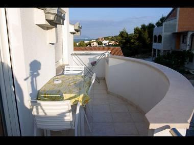 B3(2+1): terrace - 2189  B3(2+1) - Arbanija - Arbanija - rentals