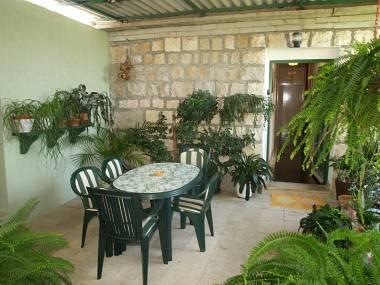 A1(4+2): garden terrace - 00701SPLI A1(4+2) - Splitska - Splitska - rentals