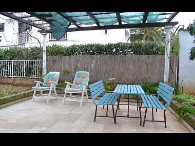 A2(2+2): garden terrace - 03301SUPE  A2(2+2) - Supetar - Supetar - rentals