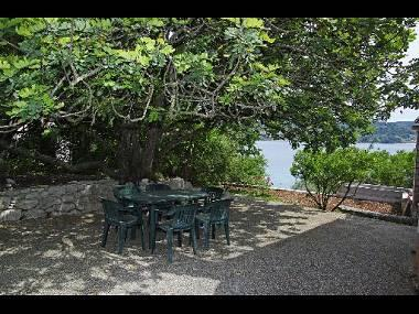 H(6): garden terrace - A1214VLUK H(6) - Cove Picena (Vela Luka) - Cove Mikulina luka (Vela Luka) - rentals