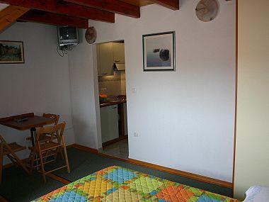 SA1(2+1): interior - 01709OMIS  SA1(2+1) - Omis - Central Dalmatia - rentals