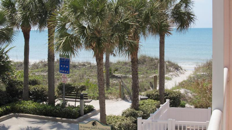 Gulf view from balcony, just steps to beach - Gulfside Townhouse for a Relaxing Vacation - Indian Rocks Beach - rentals