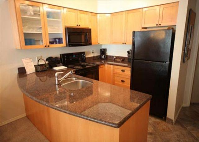 Kitchen - Acer Vacations | 1 Bedroom Ski-In Ski-Out Blackcomb Condo  - Greystone Lodge - Whistler - rentals