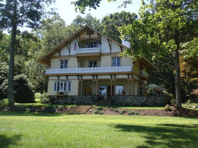 Gorgeous Lakefront Victorian Home for Memoriable Family Vacation! - CT Lake Front  Victorian Mansion Truly Memorable - East Haddam - rentals