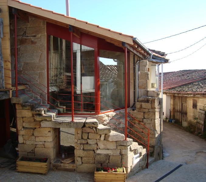 general view main façade - Holiday  cottage in the Ribeira Sacra. Sleeps 4. - Nogueira de Ramuin - rentals