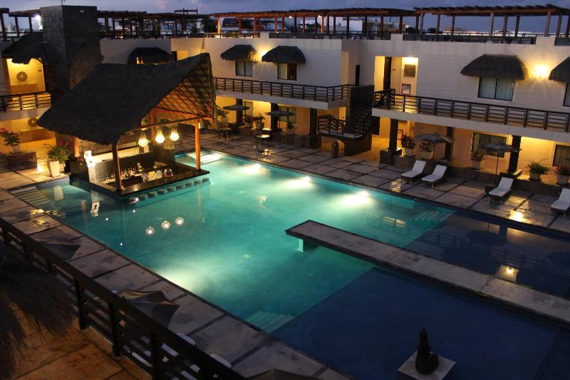 Aldea Thai Features a Fabulous Pool with Wet Bar - Gorgeous Oceanview Studio on Mamitas Beach - Playa del Carmen - rentals