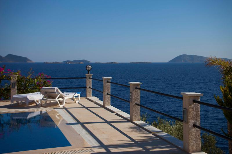 Pool, Terrace Southwest corner - Villa Escalade-Coastfront-Private Pool-Sea Access - Kas - rentals