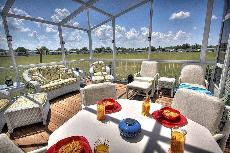 Fully Screened South Facing Sun Deck - Harry Potter Theme room the kids will Love! - Orlando - rentals