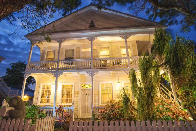 Downtown Key West, 509 South Street is in the Historic walking district of Key West Outside Front - Seaside Place Key West FL 5 Bedroom House 4 Baths - Key West - rentals