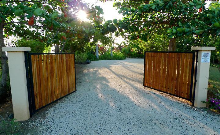 Front entry gate - Casa Vista Azul - Best Ocean View in Playa Negra! - Playa Negra - rentals