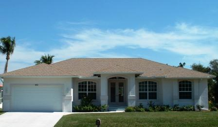 Marco Island exterior - Walk to the beach from this 4 BR pool home - Marco Island - rentals