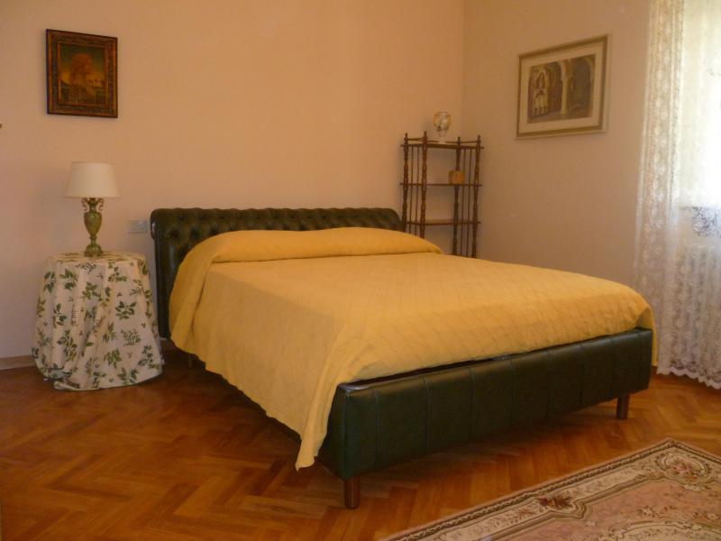 Enchanting Apartment Close to the Center at Casa Iris - Image 1 - Florence - rentals