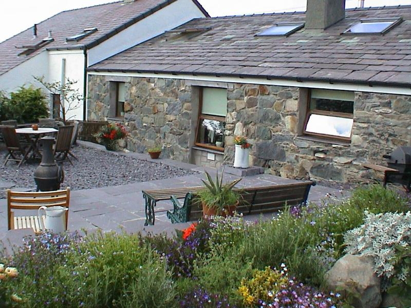 Beudy Bach cottage - Beudy Bach cottage with Hot Tub & Solarium - Bangor - rentals