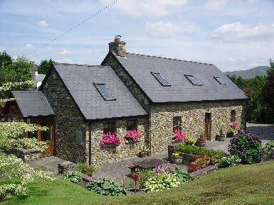 outside - Glengarriff Holiday Home.Exceptional stone cottage - Glengarriff - rentals