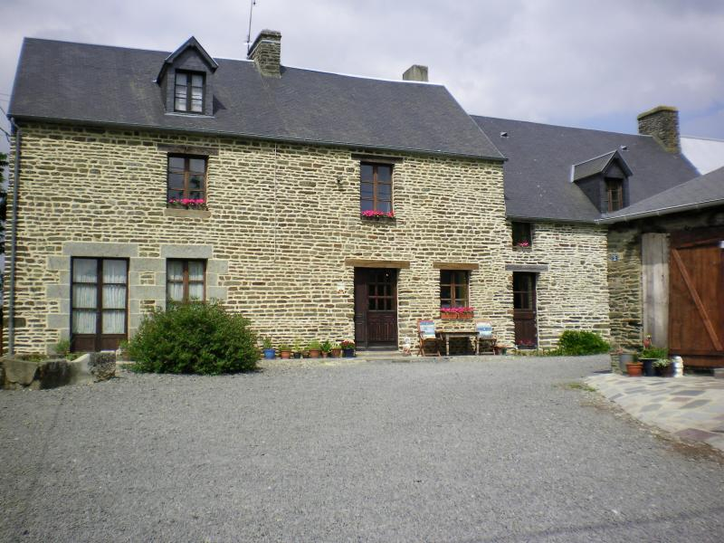 La Petite Ferme - Farmhouse B&B  Close to  The Mont St Michel - Mont-St-Michel - rentals