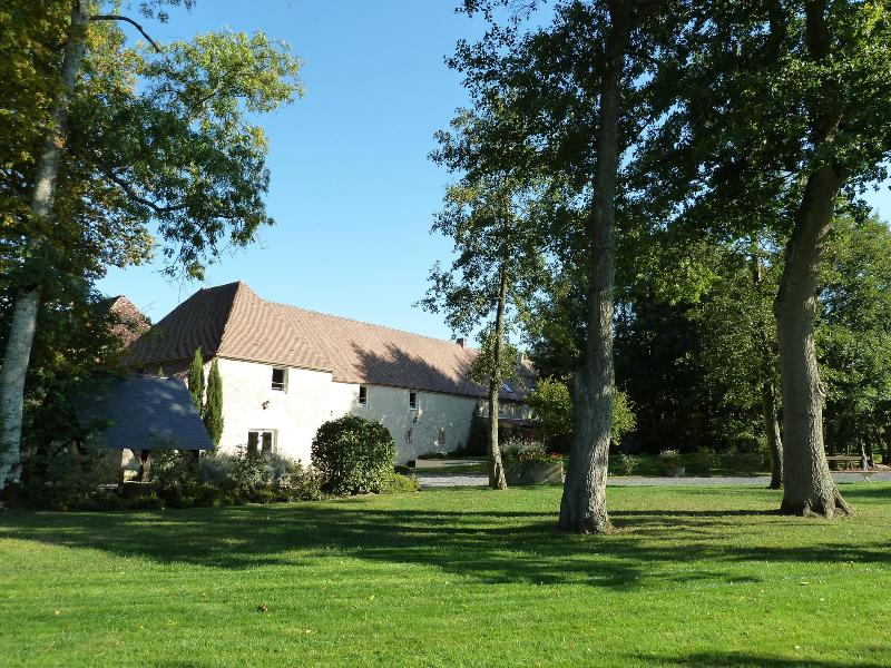 Property and grounds - Magnificent 18th century cottage Falaise, Normandy - Falaise - rentals