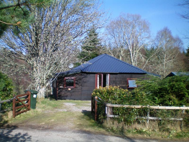 Rowan Cottage Your Highland Hideaway! Charming timber cottage for 4 near Loch Ness.  Dogs welcome. - Loch Ness Hideaways:- Rowan Cottage - Loch Ness - rentals